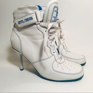 Bakers Sports Classic Leather Heeled Boots Sz. 7.5